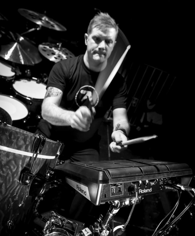 Craig Blundell Bio